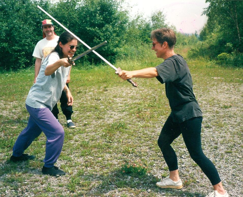 Der Spaß beim Schwertspiel kommt nicht zu kurz.